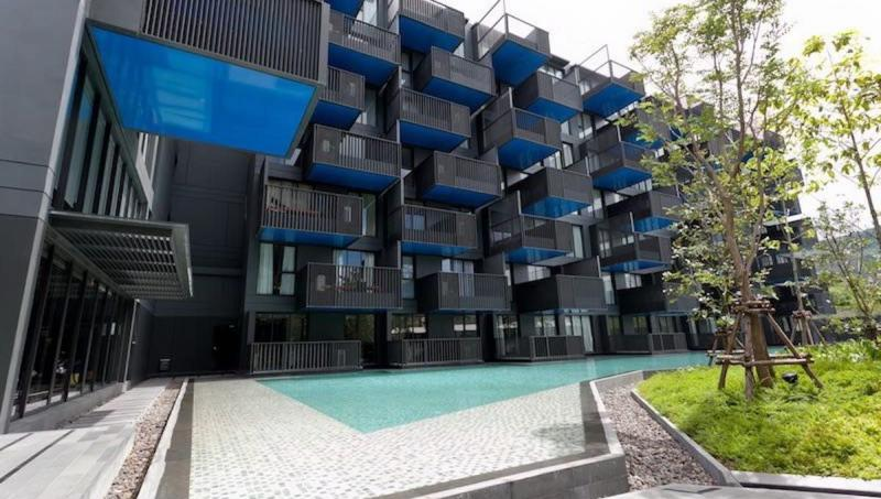 Picture 2 bedroom condo for sale at The Deck, Patong