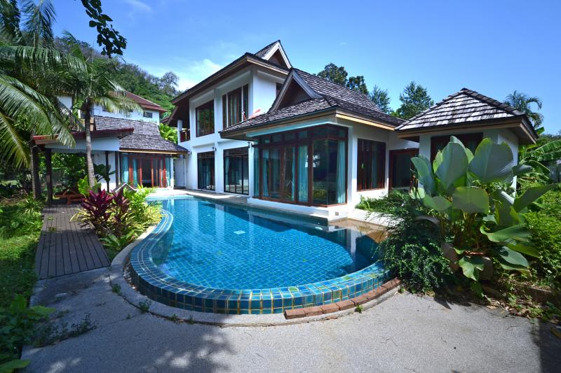 Picture Phuket 3 bedroom pool villa to sell in Chalong
