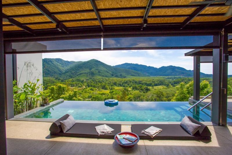Picture Luxury 4 bedroom Pool Villa in Cherngtalay (Phuket, Thailand)