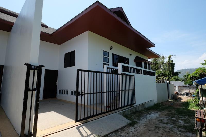 Photo Maison neuve, avec 3 chambres et entièrement équipée, à louer à Rawai / Nai Harn, Phuket