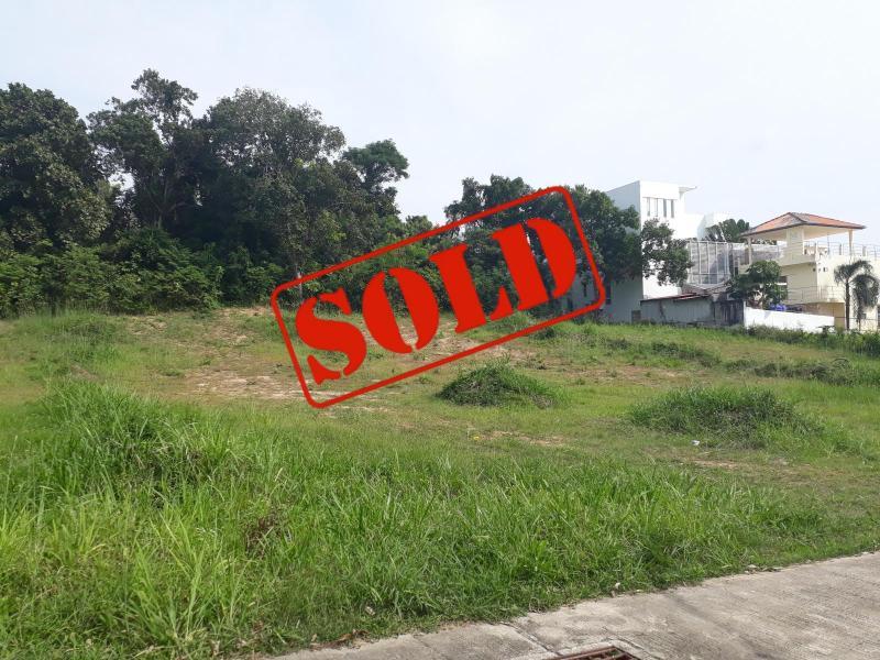 Photo Terrain d' une supoerficie de 744 m2 à vendre à Rawai