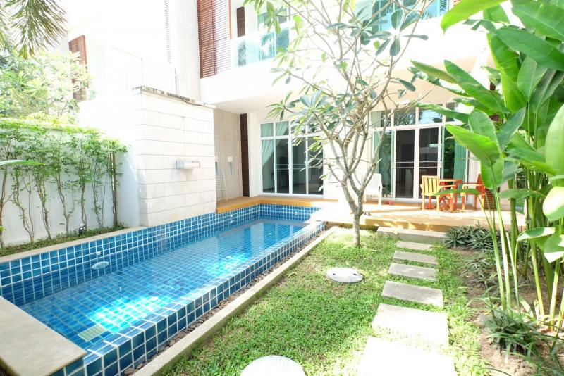 Picture Phuket luxury 3 bedroom pool villa to sell or rent in Rawai