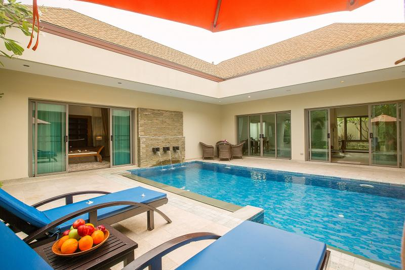 Picture Brand new 3 bedroom pool villa to sale in Nai Harn