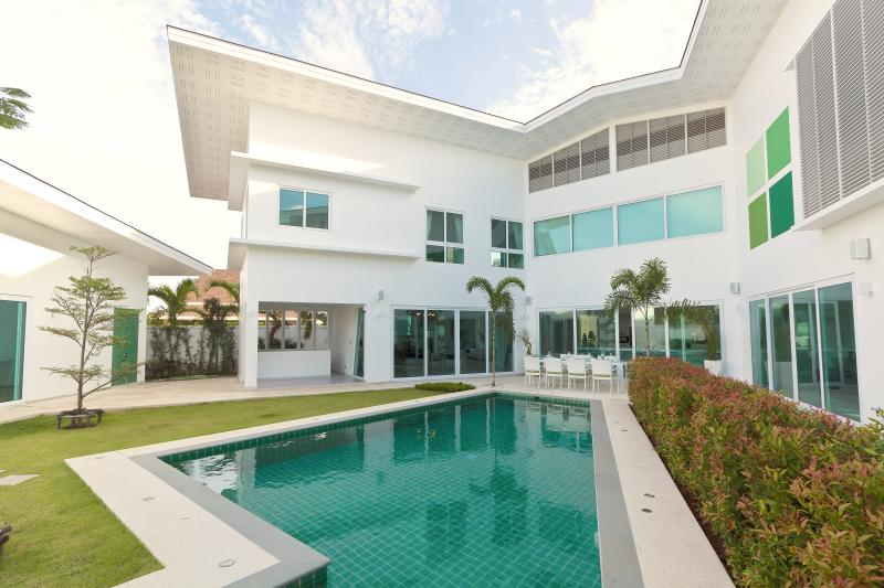 Picture luxury 5 bedroom pool villa for sale in Phuket, Rawai