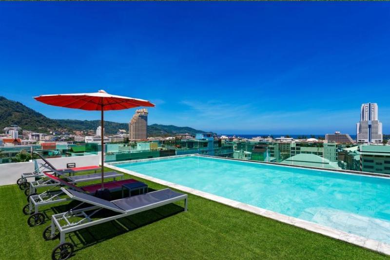 Photo Phuket-Hôtel 4 étoiles moderne à louer à Patong avec 85 chambres, ascenseur et piscine sur le toit