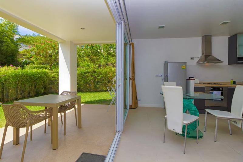 Photo Appartement moderne 1 chambre entièrement meublé à louer à Karon
