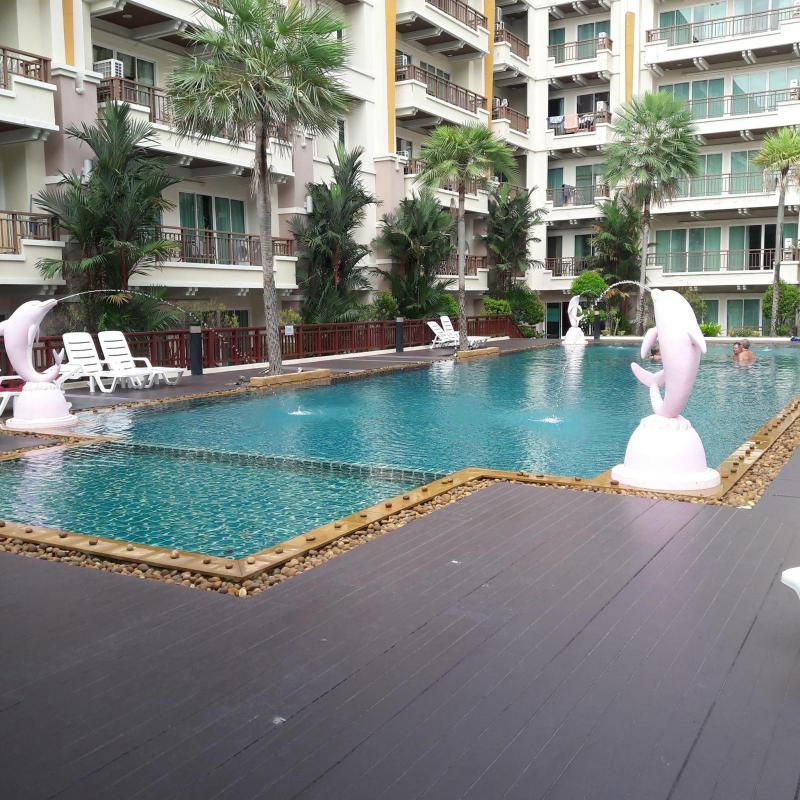 Photo Appartement moderne avec 1 chambre et salon séparé à la vente dans le centre de Patong