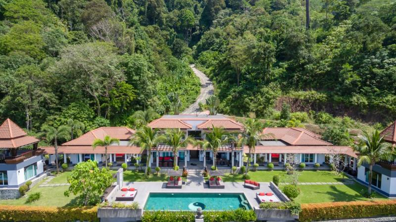 Picture Luxury 8 bedroom villa for sale with panoramic sea views in Kalim (Patong)
