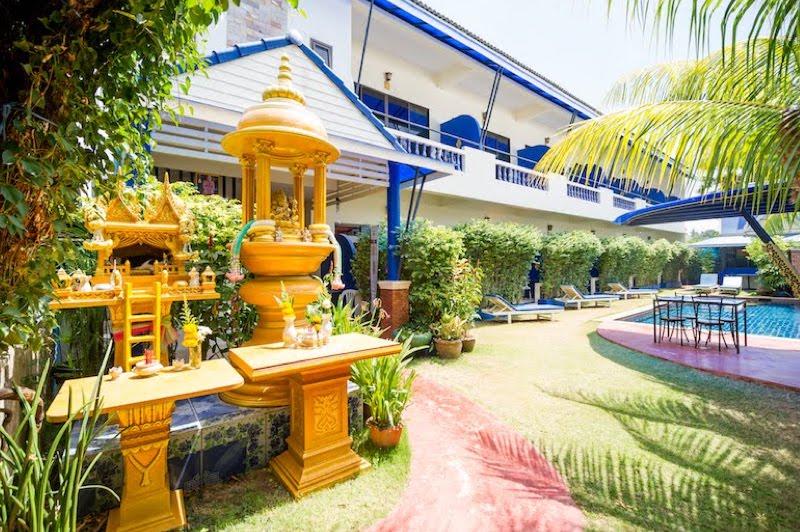 Photo Hôtel avec piscine rentable à louer à Kata Beach Phuket