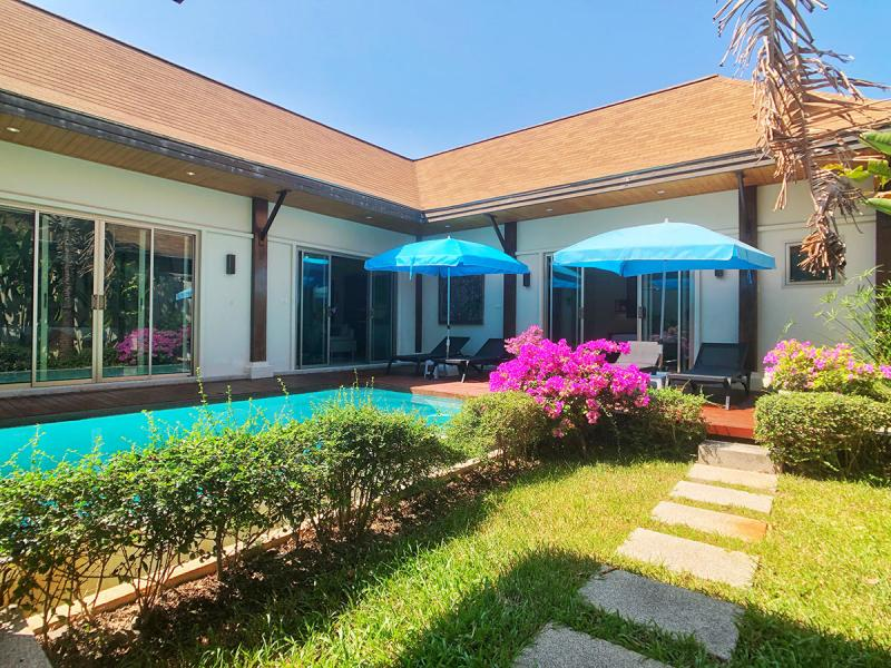 Picture Villa in excellent condition for sale with 2 bedrooms and swimming pool in Rawai