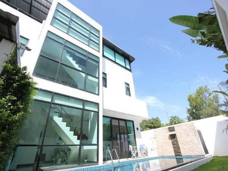 Picture Rawai modern 3 bedroom pool villa for sale-Phuket
