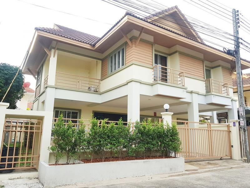 Photo Maison rénovée de 2 chambres à louer à Rasada, Phuket