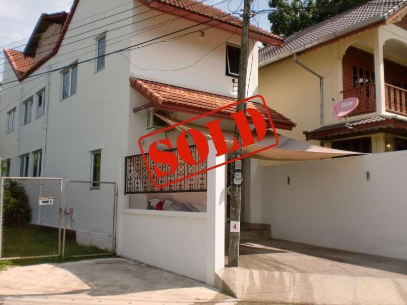 Photo Spacieuse maison 3 chambres à vendre à Nai Harn, Phuket, Thaïlande
