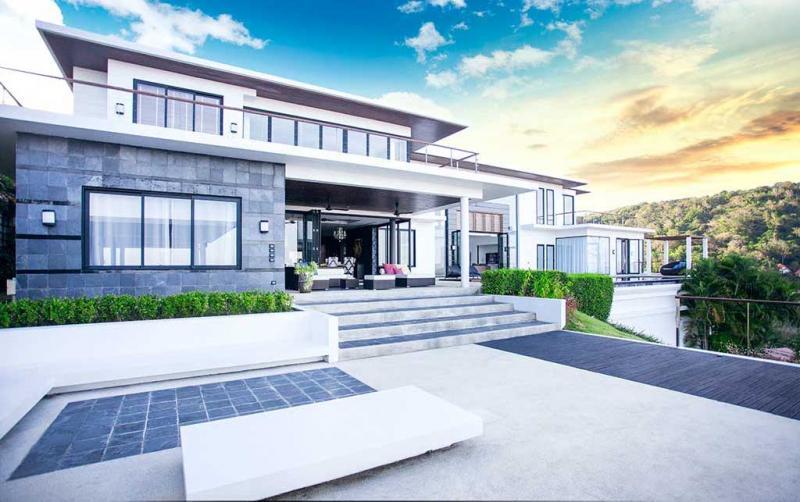 Photo Villa de luxe avec 6 chambres et vue sur la mer à vendre à Rawai