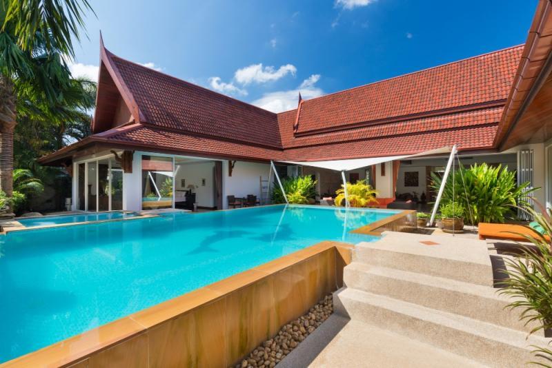 Photo Villa de luxe avec piscine et 3/5 chambres à vendre à Kathu, Phuket