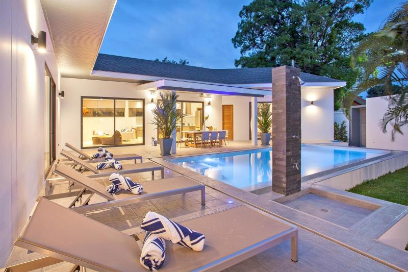 Picture Top Luxury Modern 4 bedroom Villa for sale in Rawai, Phuket