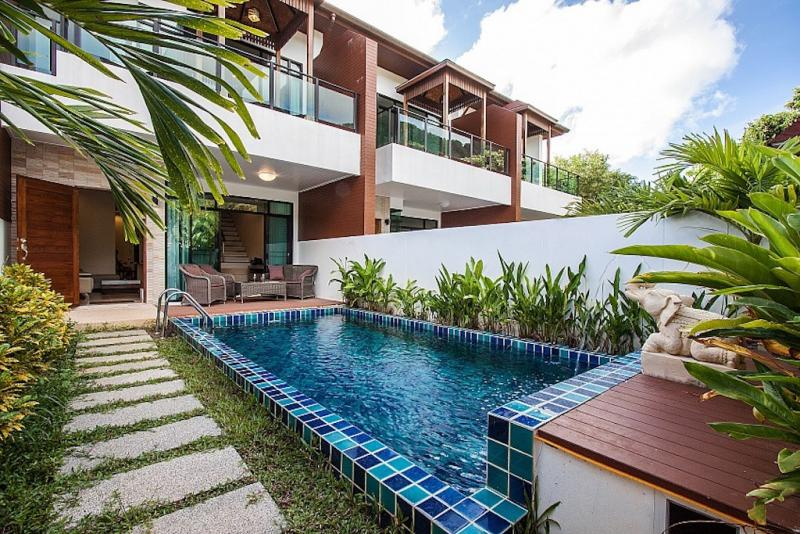 Picture Discounted modern 3 bedroom pool villa for sale in Kamala Phuket
