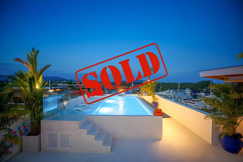 Picture Exclusive Duplex Penthouse For Sale in the Royal Phuket Marina