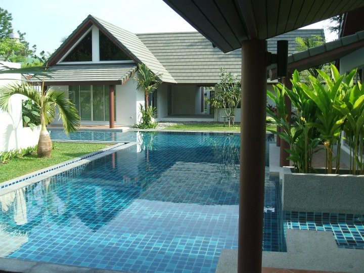 Picture 2 Bedroom villa with shared pool for rent in Chalong pier
