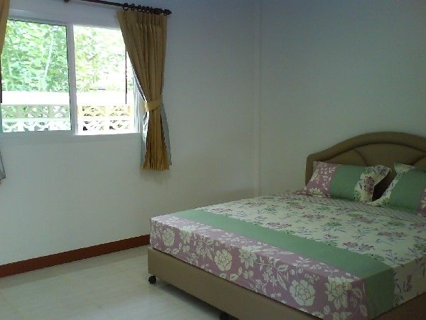 bedroom house with pool access for rent in rawai charming house