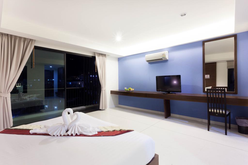 Karon Phuket Hotel Rooms