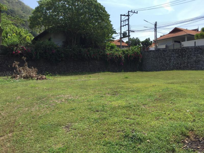 Photo  Phuket-Land 1200 m2 for sale in Rawai