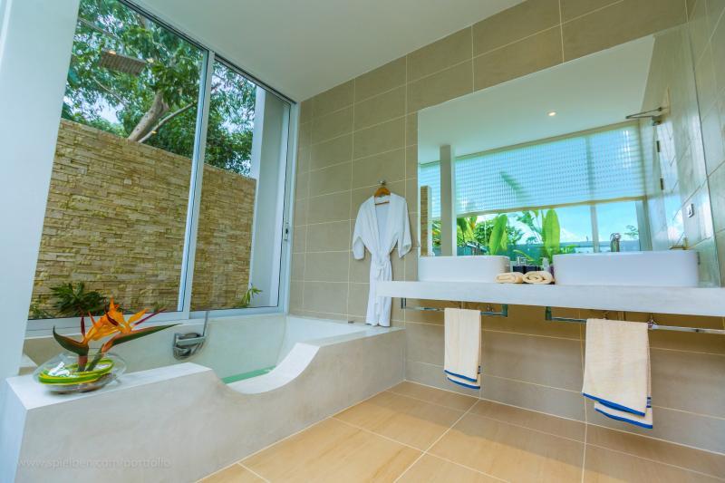 Photo  Phuket luxury villas for sale in Nai Harn