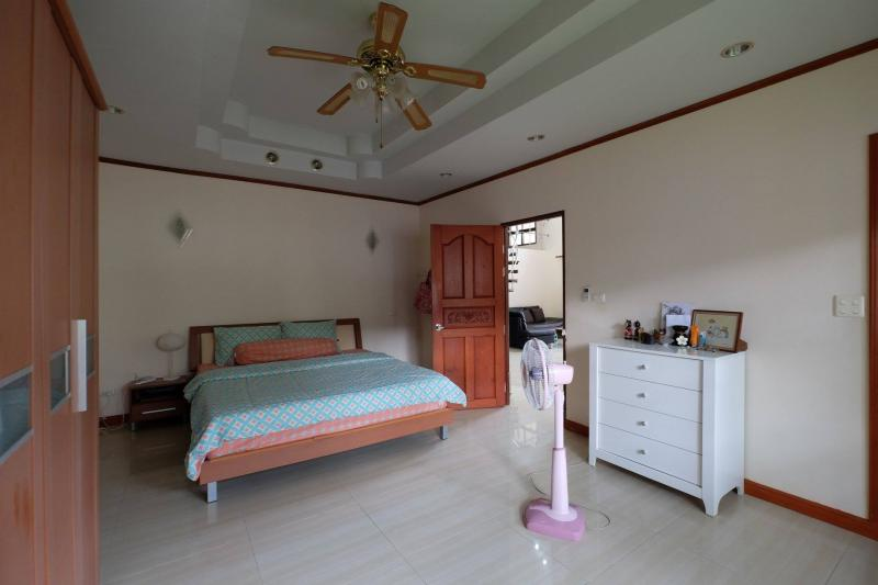 Photo 2 Bedroom House with garde in Chalong - Phuket