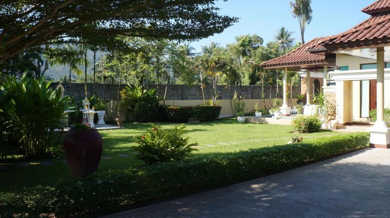 Photo 2 bedroom luxury villa for sale in Bang Tao, Phuket