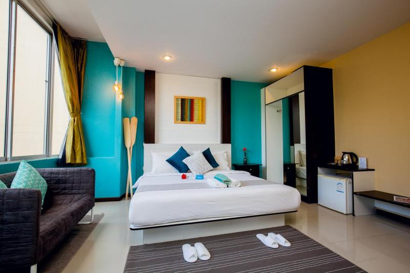 Photo 45 room hotel to sell in the center of Patong, Phuket