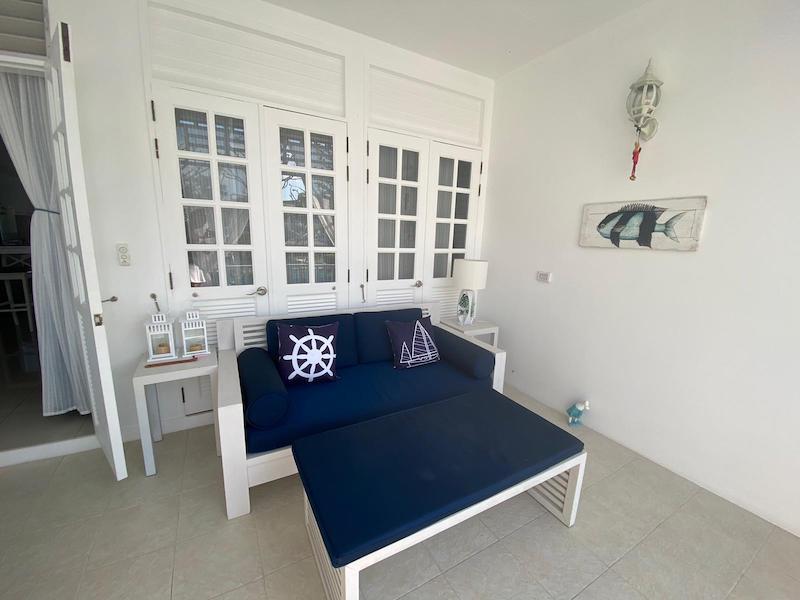 Photo Grand studio appartement de style colonial à vendre à Layan, Phuket