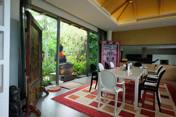 Photo Phuket High-End Luxury Villa for sale in Layan with Sea View