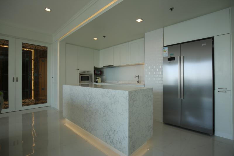 Photo Bangkok 3 Bedroom Luxury Condo for Rent at the Starview Rama III Residence