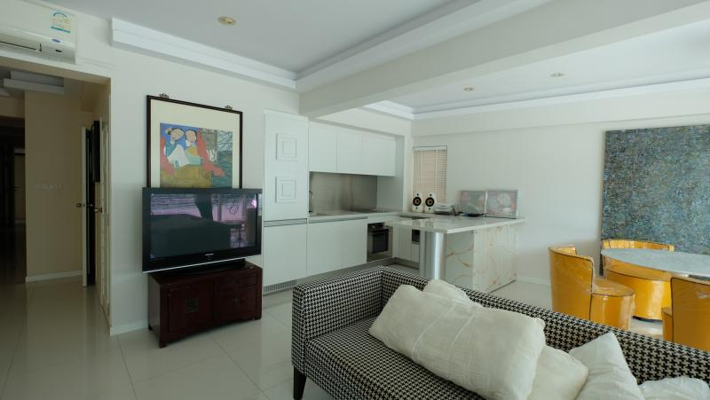 Photo Rawai Beachfront condo for Rent and for Sale