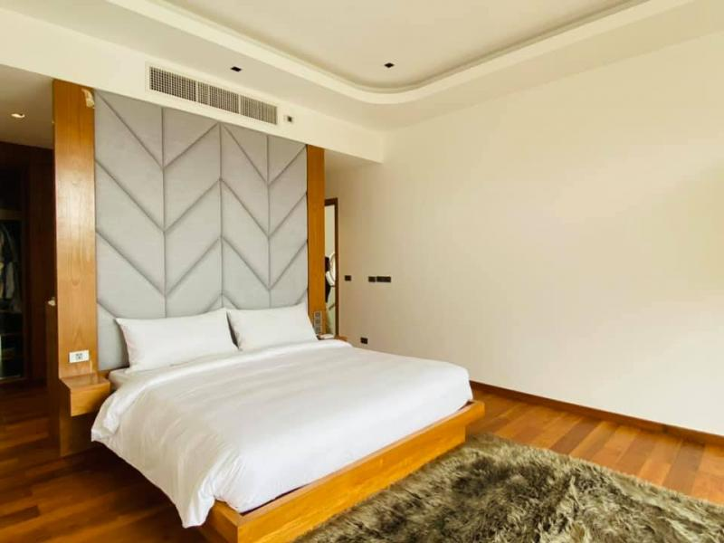 Photo Villa luxueuse neuve avec piscine à louer à long terme ou à vendre à Rawai, Phuket