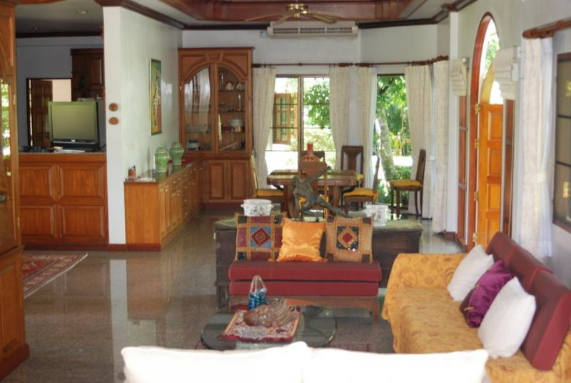 Photo Phuket colonial house for sale in Chalong