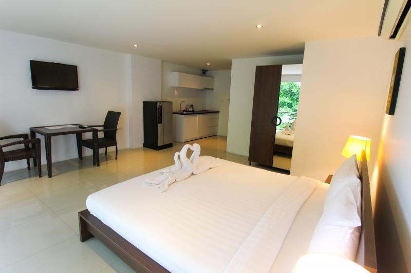 Photo Deluxe Patong Studio Apartment เช่า