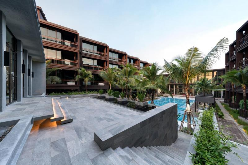 Photo Discounted -- Sea view 1 bedroom condo for sale in Rawai, Phuket