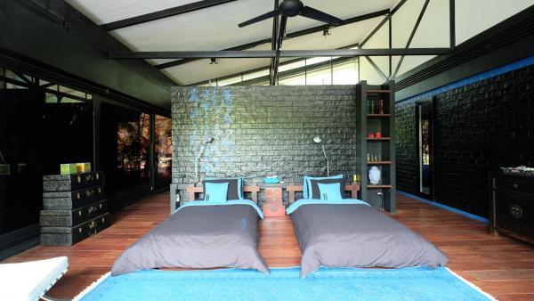 Photo  7 bedroom Phuket luxury villa in Nai Thon -  Phuket luxury property for sale