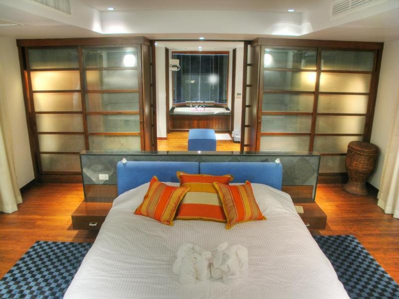 Photo Villa exclusive de 6 chambres incluant toutes les prestations à la location à Surin, Phuket, Thailande