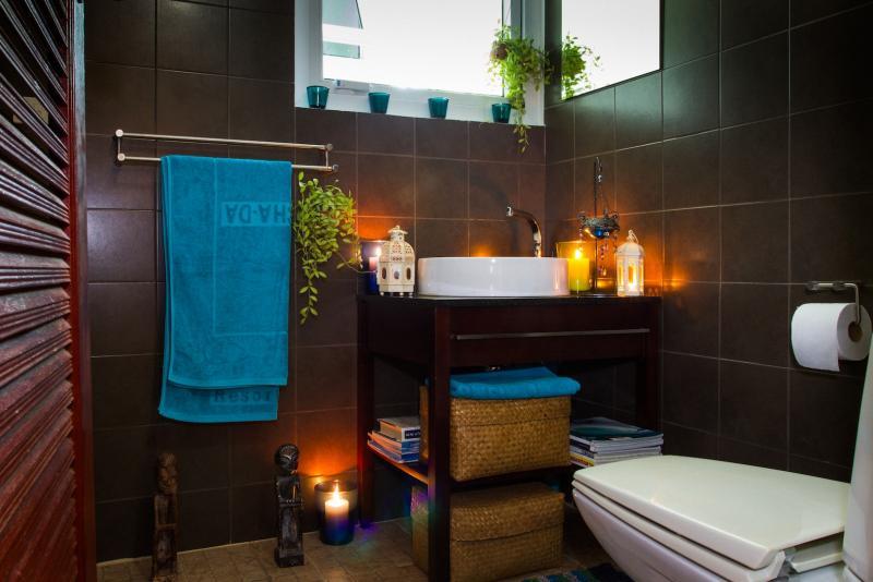 Photo Fully Renovated 4 bedroom Pool Villa for Sale in Rawai, Phuket