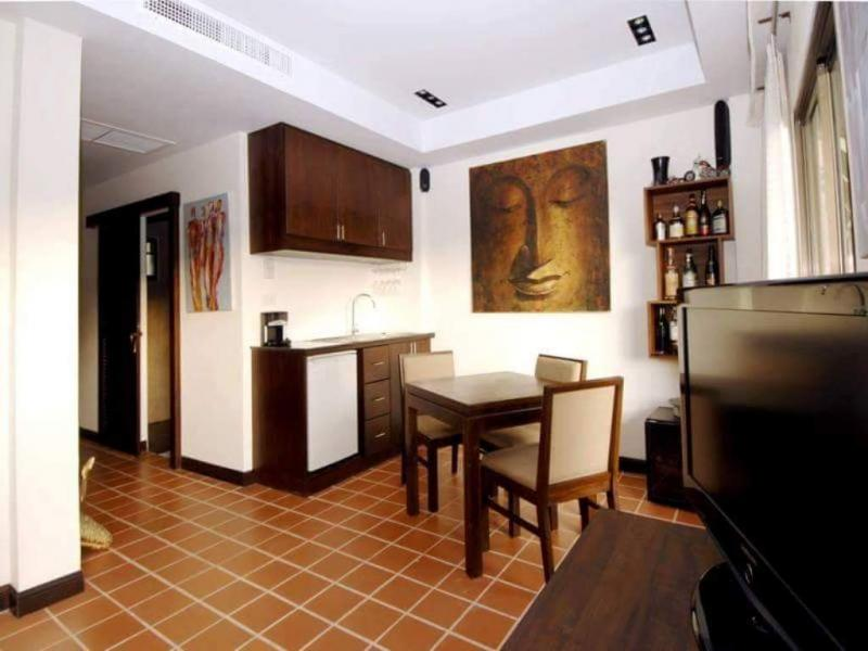 Photo Hot Deal 1 Bedroom Apartment for Sale and Rent in Surin beach.