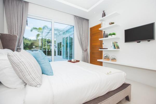 Photo Luxury 2 and 3 bedroom pool villa in Kamala, Phuket, Thailand