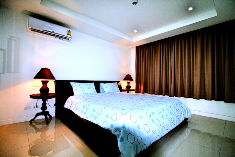 Photo Luxury 2 bedroom sea view condominium to sale in Kata, Phuket