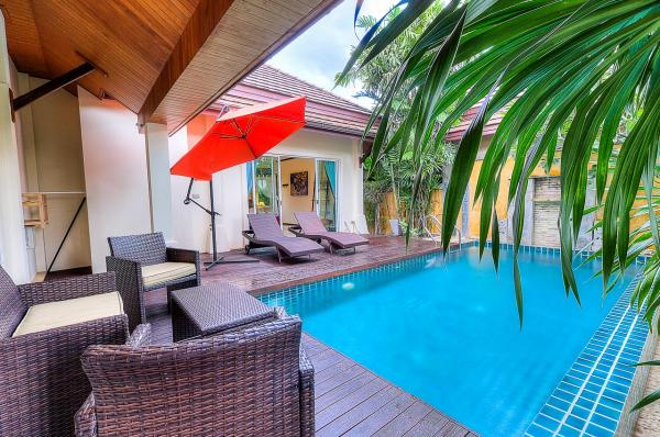 Photo Luxury 3 bedroom pool villa in Nai Harn, Phuket