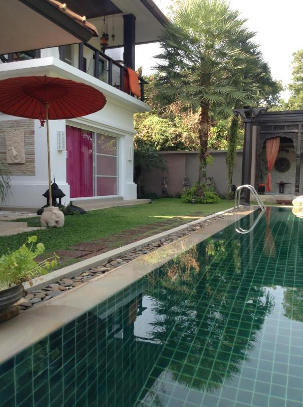 Photo Luxury 4 bedroom Phuket villa for sale in Rawai