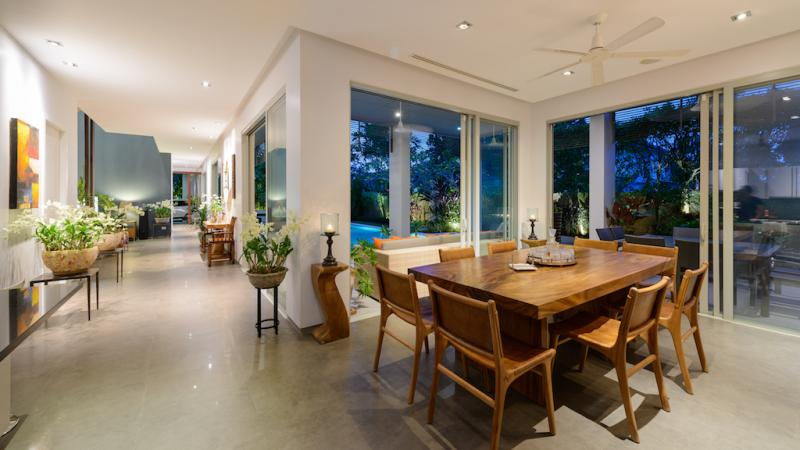 Photo Luxury 4 bedroom pool villa for sale in Cherngtalay, Phuket, Thailand