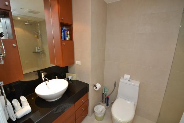 Photo  Condo to sale in Phuket / luxury 1 bedroom condominium in Laguna Golf Estate.