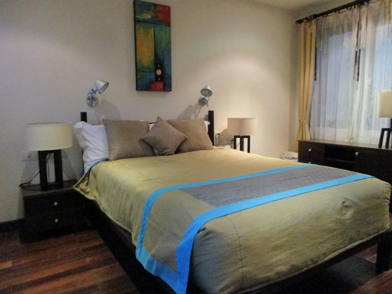 Photo Luxury Phuket villa Patong for sale in Kalim