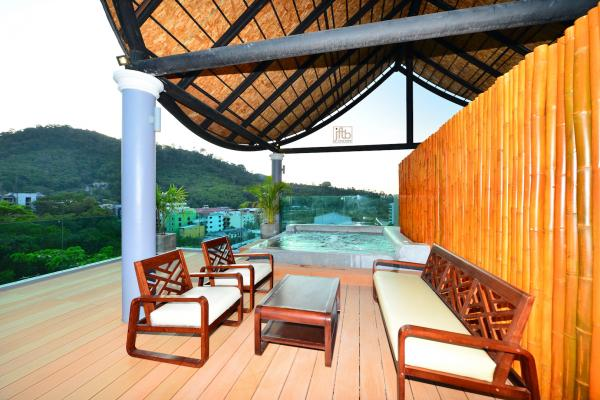 Photo Luxury Phuket pool villa for sale/rent in Patong - Thailand